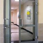 Алюминиевые двери: особенности и преимущества