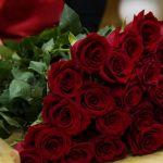 Основы цветочного этикета: как дарить розы