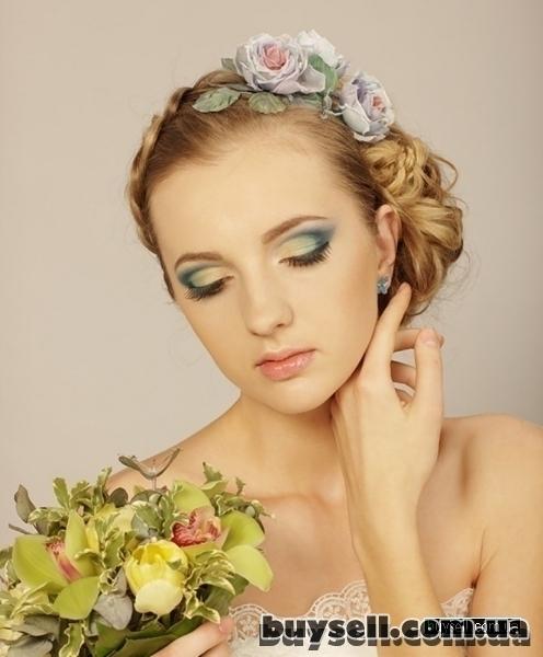 свадебные вечерние прически макияж изображение 3