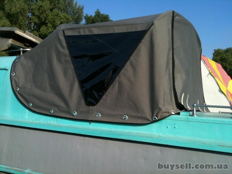 чехлы для лодок катеров