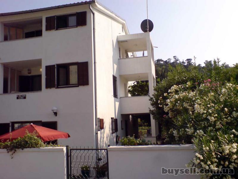 Отдых в Черногории.  Сутоморе.  Апартаменты у моря изображение 3