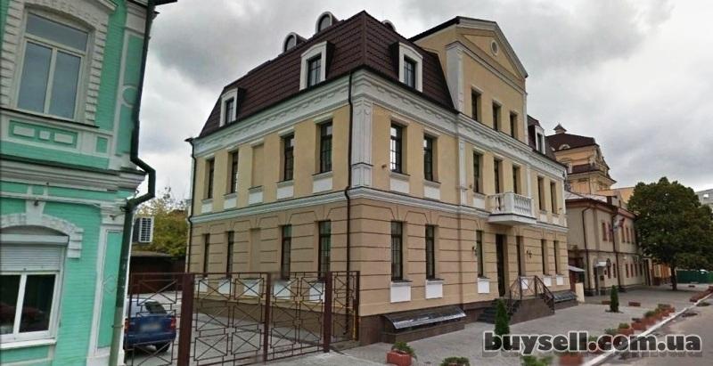 Здание 1 030 м2,    Киев,    Контрактовая площадь,    Волошская угол И