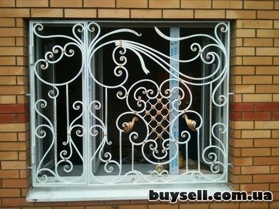 Решетки на окна Киев,  оконные решетки Киев,  кованые решетки на окна