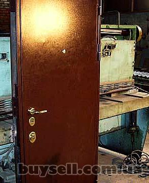 Бронированные  и межкомнатные двери изображение 5