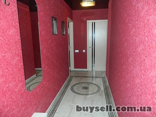 Посуточно двухкомнатная квартира.  Краткосрочная аренда на сутки. изображение 2