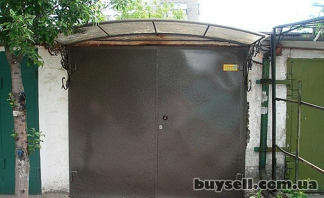 Ворота,  двери,  козырьки.