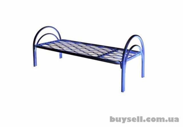 Трёхъярусные металлические кровати для общежитий,  кровати дёшево изображение 2