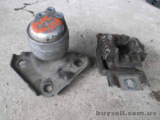 Подушка двигателя Ford Fusion 1. 3 1. 4 2006-2010