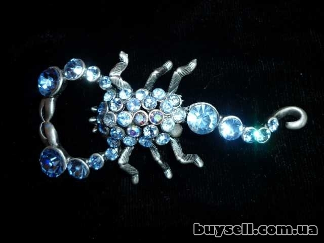 Винтажная брошка - голубой скорпион.
