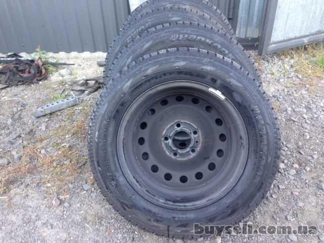 Диск колесный металлический с шиной 205/65 R16C Opel Vivaro