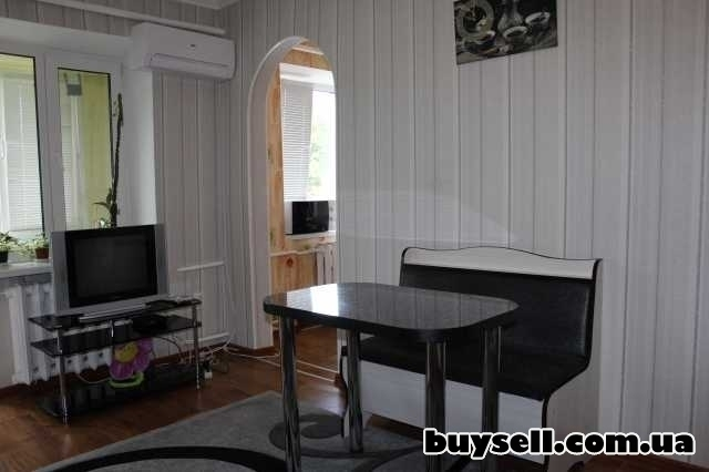 Посуточная аренда 1-но ком квартиры,  15 минут до фонтана ROSHEN изображение 5