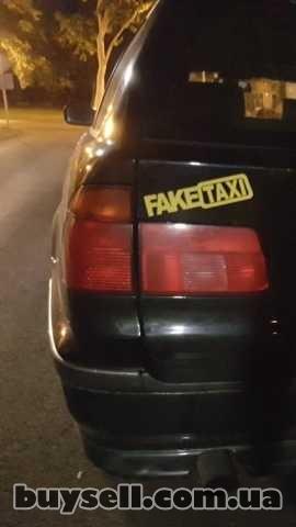 Наклейка на авто FakeTaxi Белая,  Желтая светоотражающая Тюнинг авто изображение 5