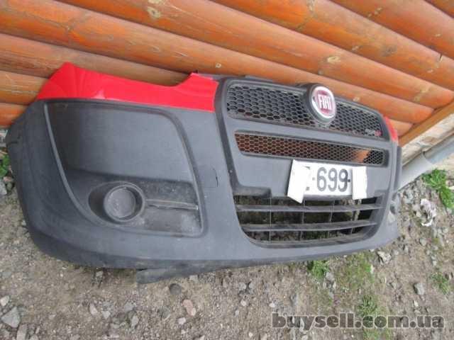 Бампер передний красный Fiat Doblo 2010-2014 Фіат Добло Фиат