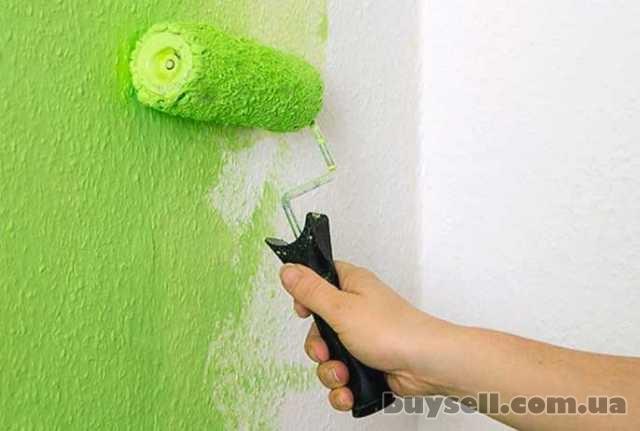 Покраска стен потолка