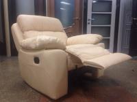 Кресло Реклайнер Вега (Итальянский кож-зам)  Кремовый.  Новый.