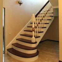 Заказать лестницу,  изготовление,  сварка и обшивка деревом.