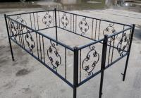 Оградки на могилу,   кладбище.