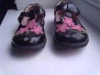 Лаковые туфельки,  р. -25 + подарок